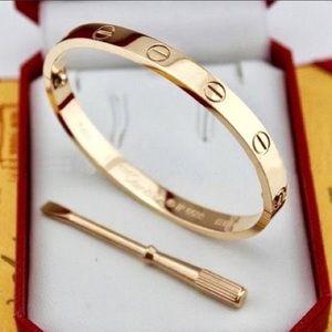 Jewelry - 5🌟 high quality gold screw bracelet